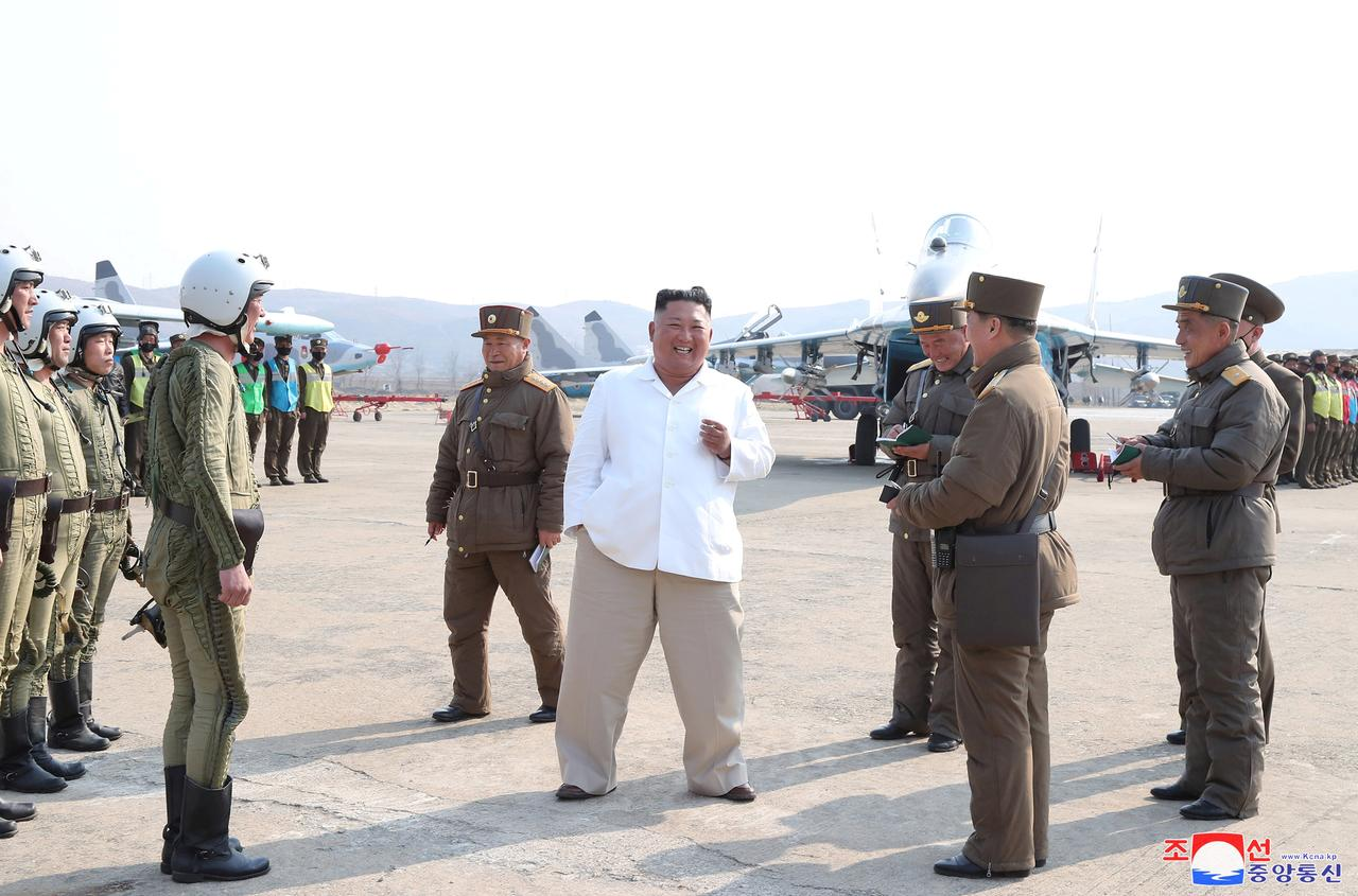 北 朝鮮 コロナ ウイルス 感染 者 数