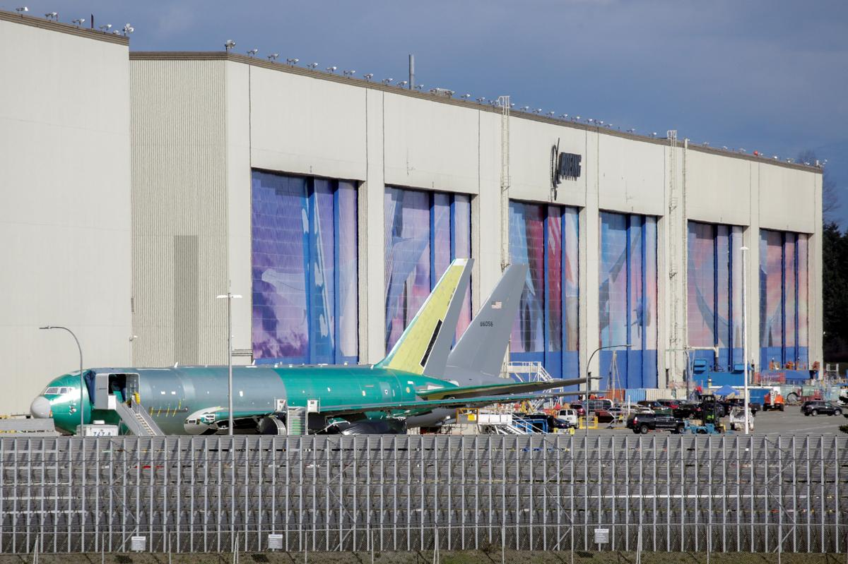 Boeing restarting commercial airplane production next week