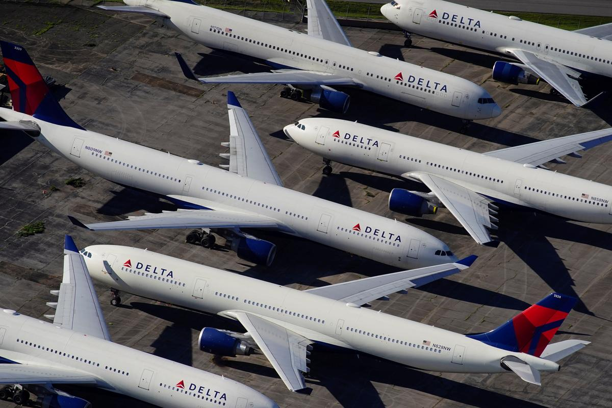 Delta to reduce cash burn as it braces for sluggish recovery from pandemic