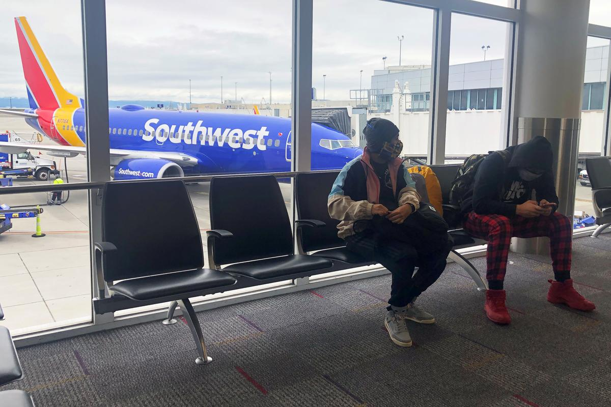 Airlines say ticket cancellations slowing; Delta sees cash flow break-even this year