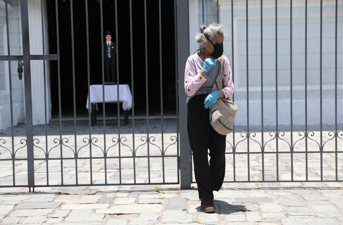 Venezuela announces border curfews as coronavirus cases jump