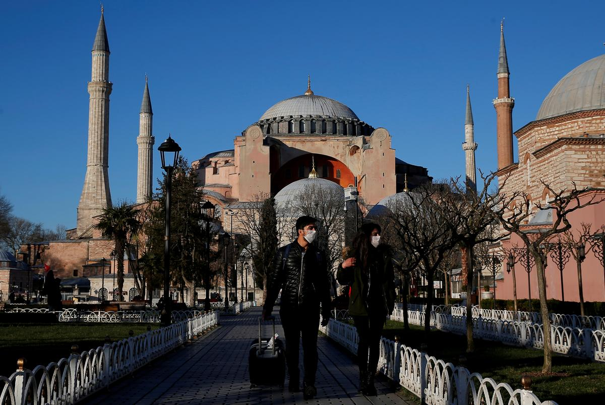Turkey says low risk of second outbreak, opens to some medical tourism