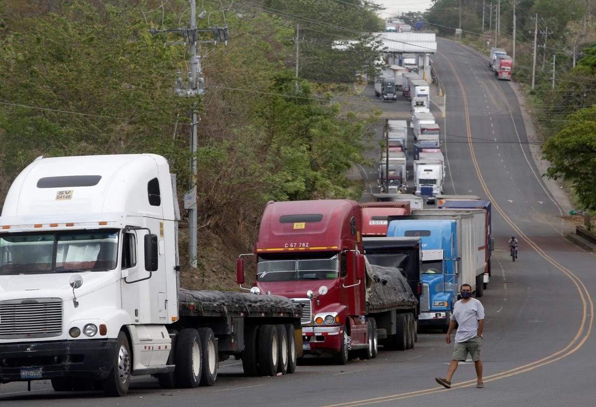 Nicaragua-Costa Rica coronavirus dispute stalls hundreds of trucks at border