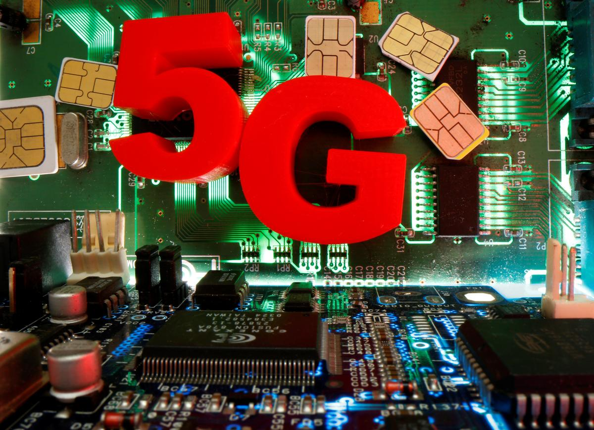 Brazil telecoms watchdog admits delay in 5G auction, sees broadband usage up