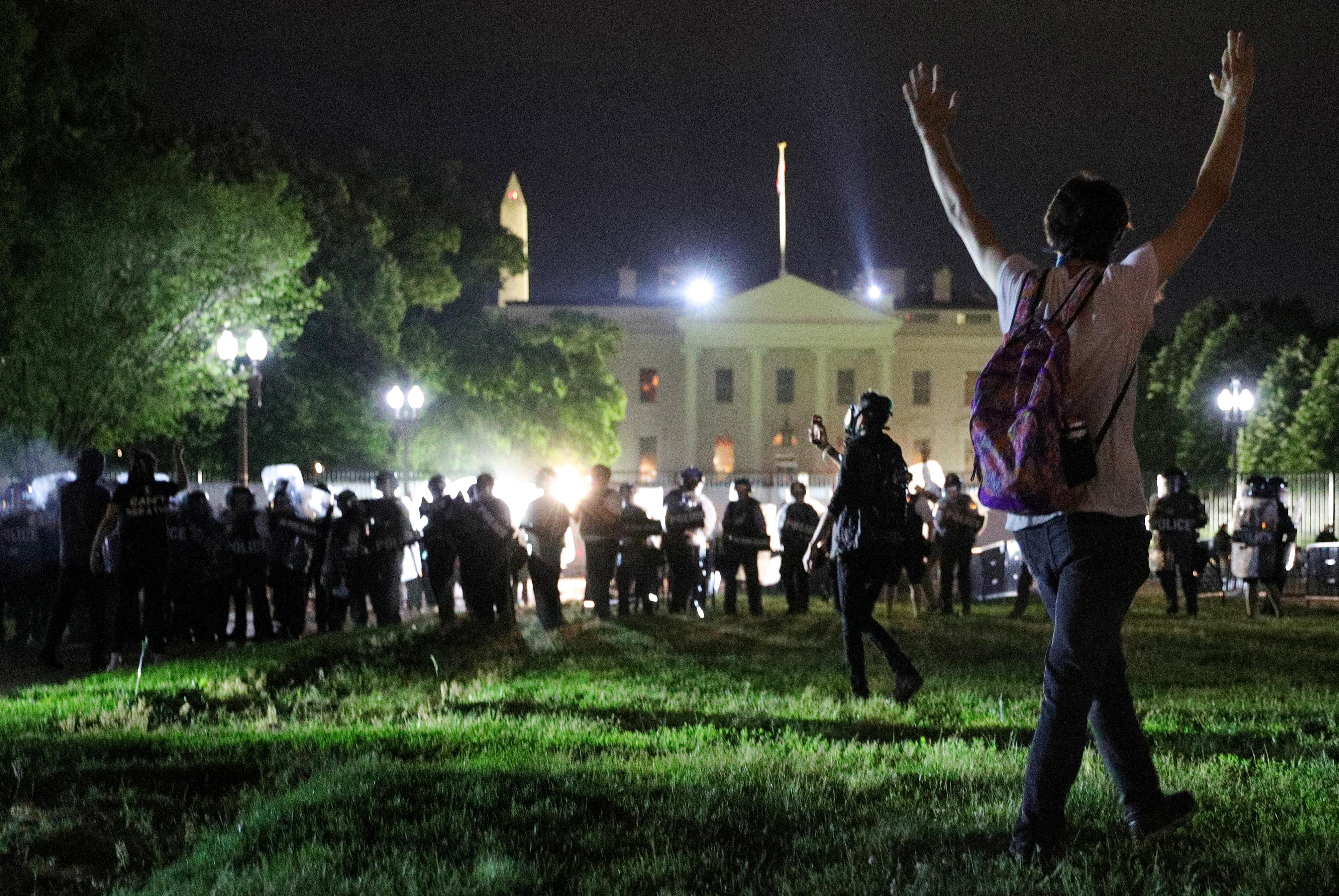 Des troubles civils éclatent dans les villes américaines suite au meurtre de Minneapolis