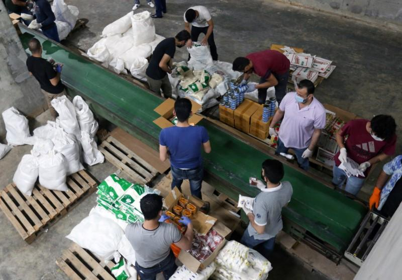 Lebanese food aid drive underlines pain of economic collapse