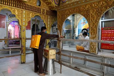 India reopens amid rising coronavirus cases