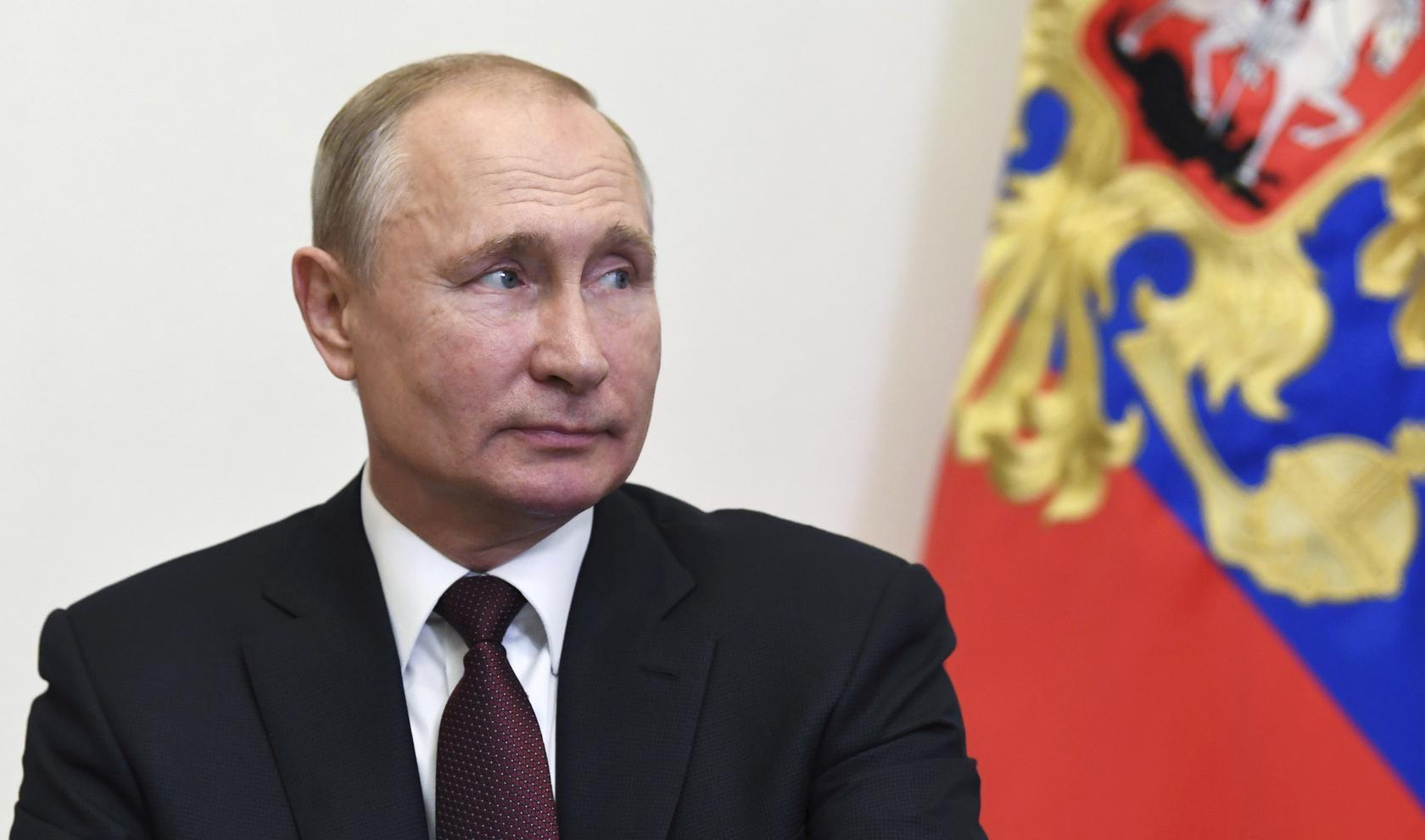 Putin Says Russia S Handling Of Coronavirus Is Superior To U S Reuters