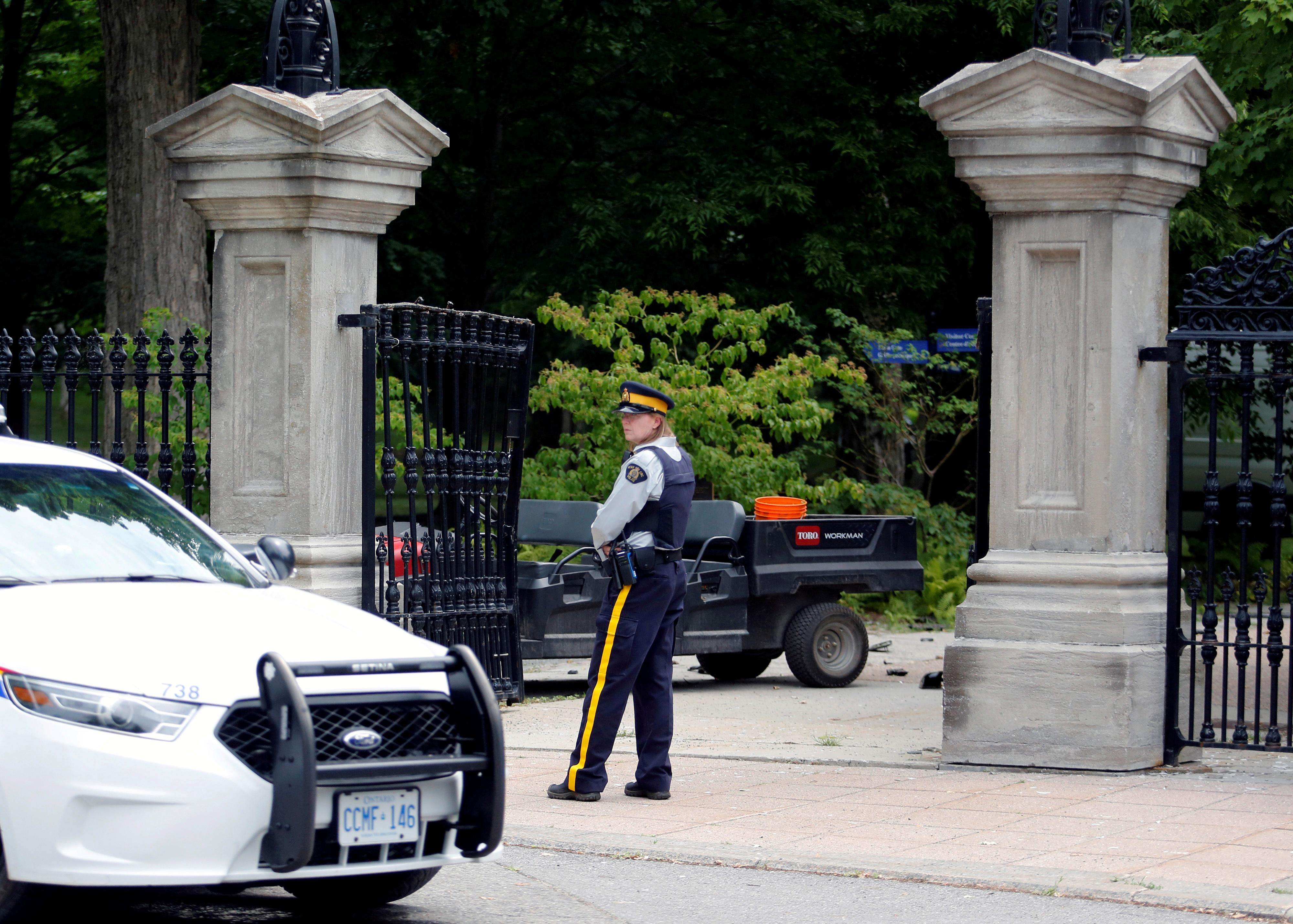 Armed military man who rammed gates near Canada PM Trudeau's residence acted alone: police