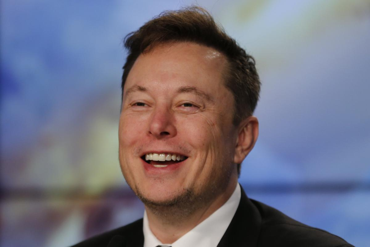 Elon Musk Passes Warren Buffett as Seventh Richest Person in the World