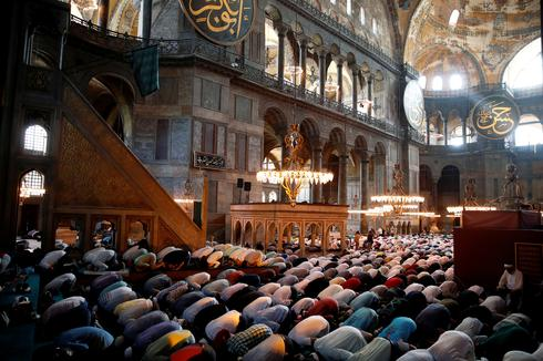 Thousands gather at Istanbul's Hagia Sophia for first Friday prayers