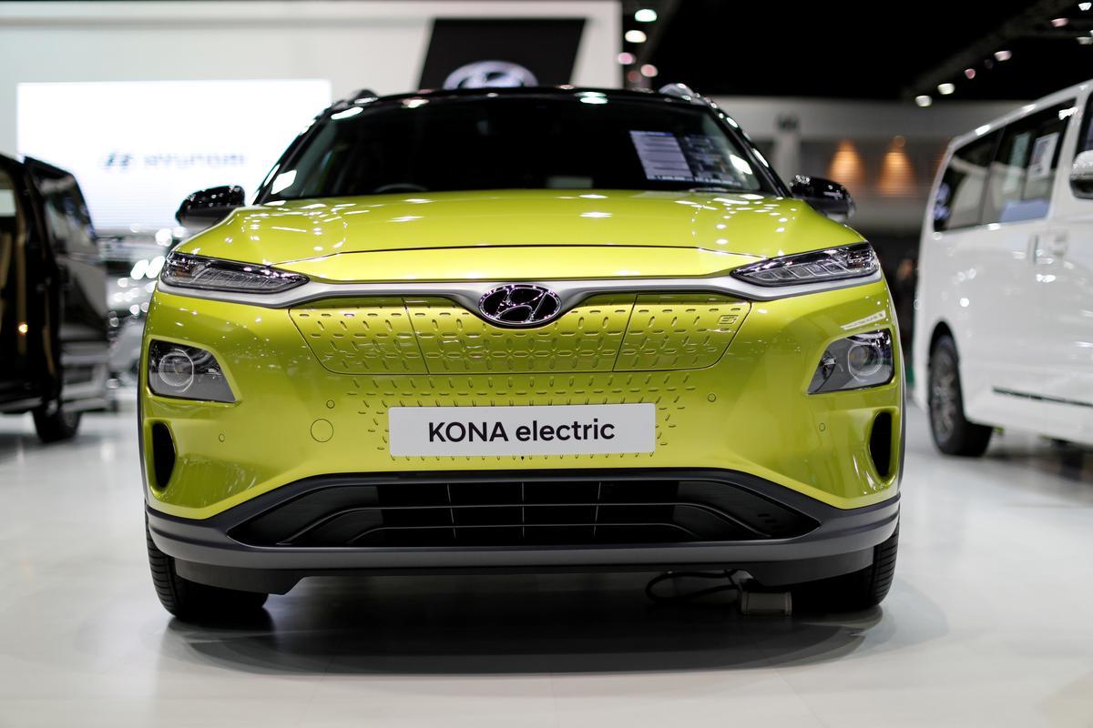Hydrogen champion Hyundai races to electric as Tesla takes off thumbnail