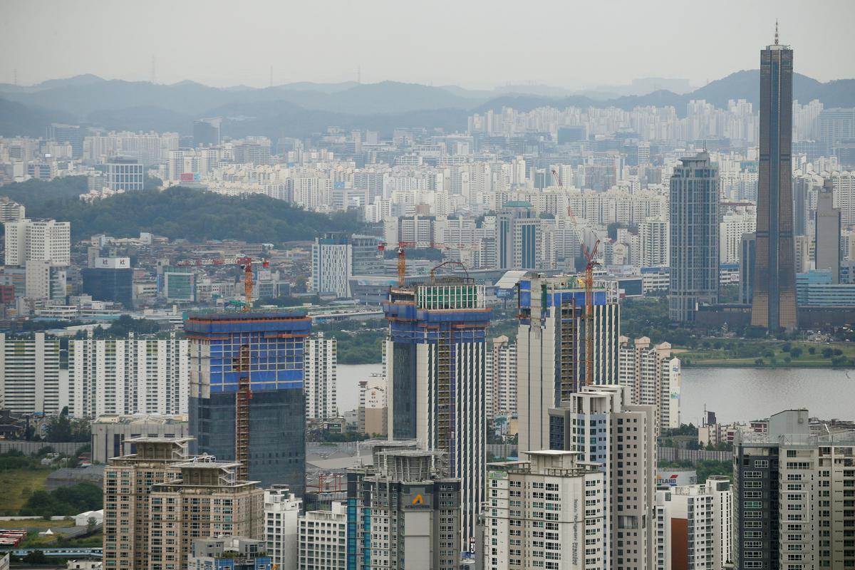 Factbox: South Korea tries to tame rampant real estate market