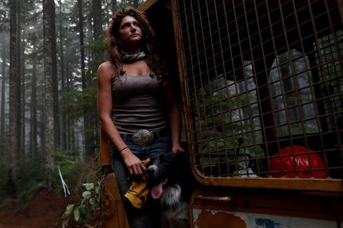 'Hillbilly Brigade' saves Oregon town from raging wildfires