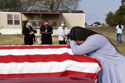 Texas family mourns father lost to COVID