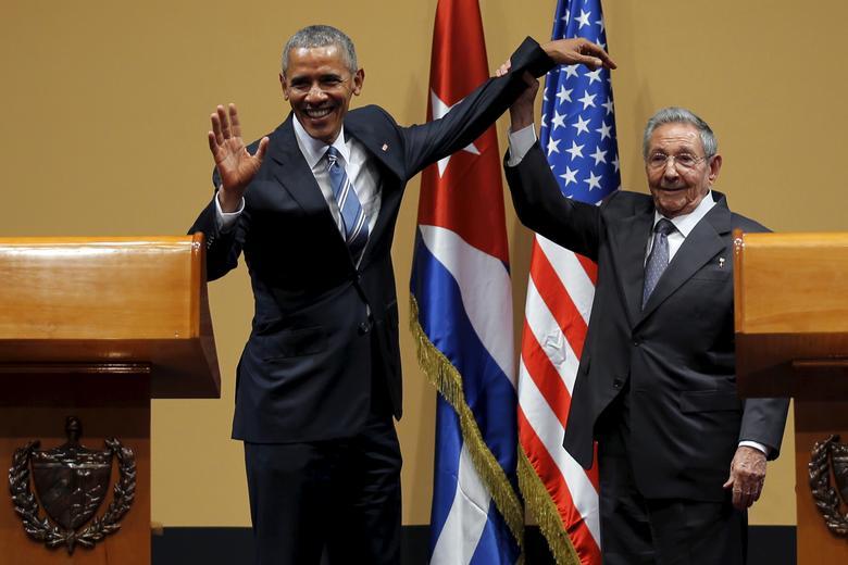 US-Präsident Barack Obama und der kubanische Präsident Raul Castro gestikulieren nach einer Pressekonferenz im Rahmen von Obamas dreitägigem Besuch in Kuba, in Havanna, März 2016. | Bildquelle: REUTERS | Bilder sind in der Regel urheberrechtlich geschützt