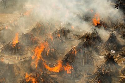 India's COVID death toll tops 200,000 as crematoriums overrun