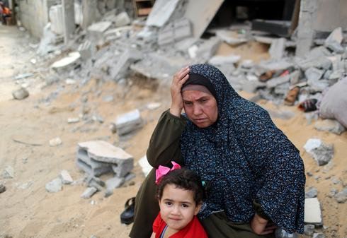 Gazans emerge to see the damage after fighting ends